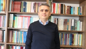 "Uysal: ""Yunus Türkçe'nin Aşığıdır, Yoldaşıdır"""