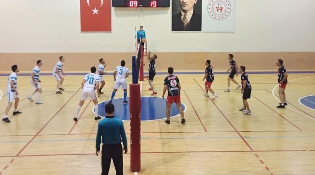 Cumhuriyet Kupası Voleybol Turnuvası Başladı