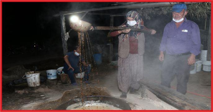 Toroslar'ın pekmezi yüzyıllık fırınlarda hazırlanıyor